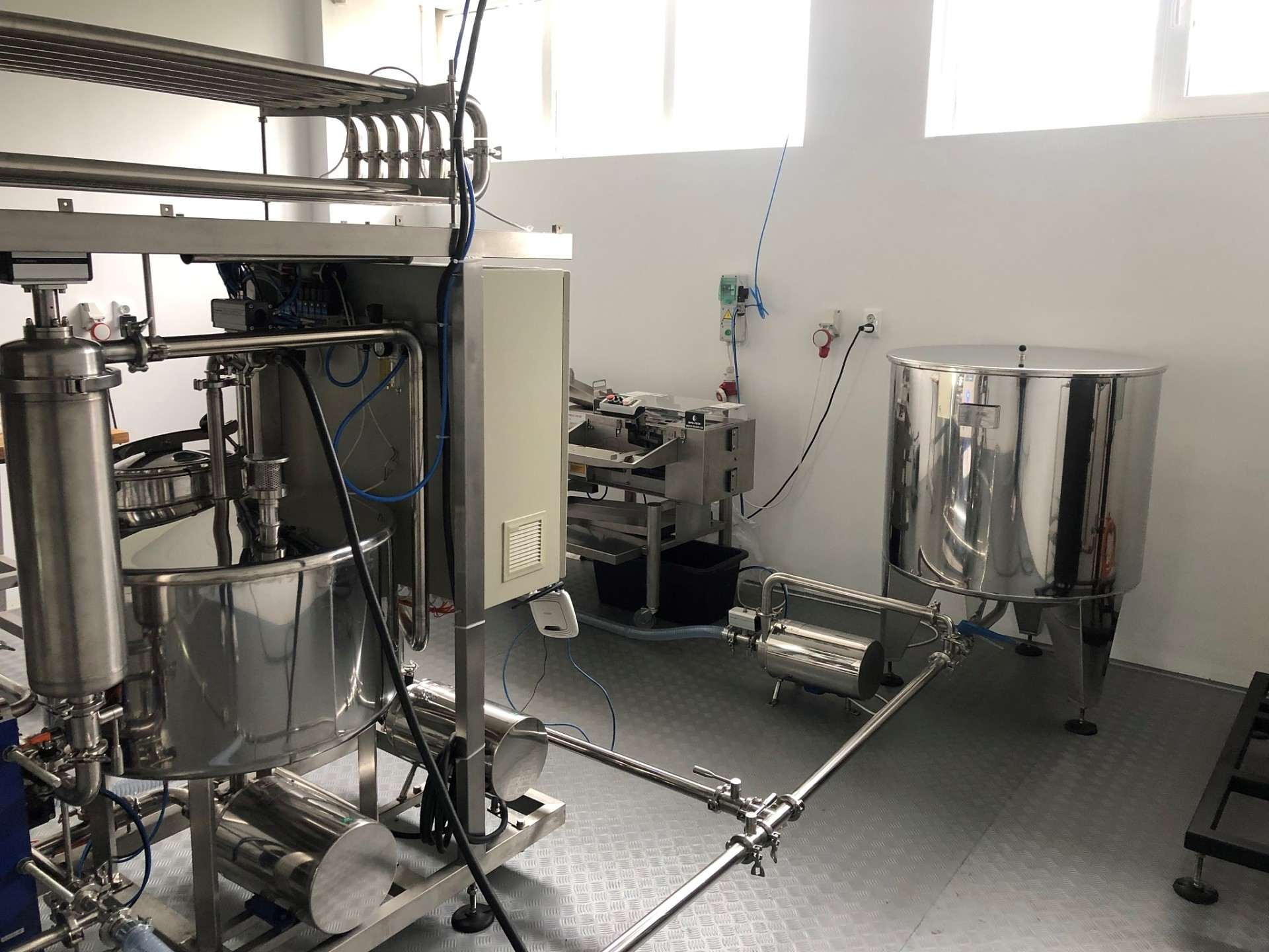 complete egg processing line